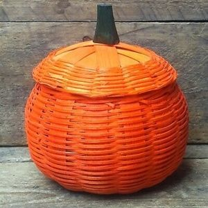 Small Woven Pumpkin Basket with Lid